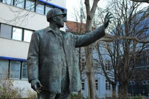 Bild zeigt Skulptur Bauarbeiter
